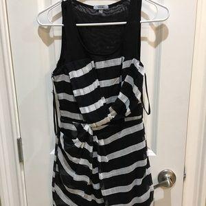 Dresses & Skirts - Strtpe Dress